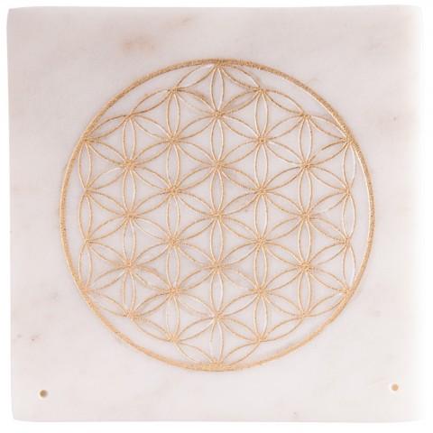 Marmurinis smilkalų laikiklis su auksine gyvenimo gėle