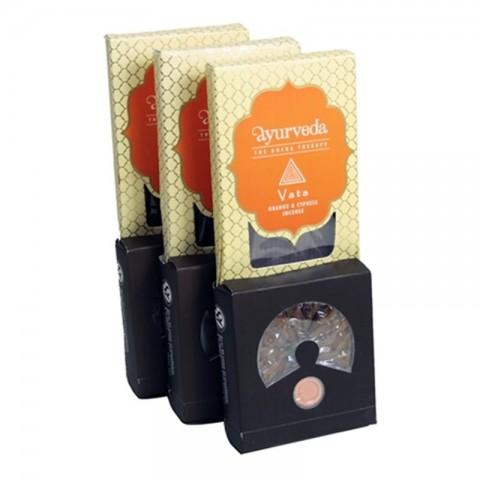Ajurvedinių smilkalų lazdelių ir kūgių rinkinys Orange & Cypress (Vata)