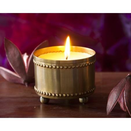 Sojos žvakė žalvariniame inde Mia